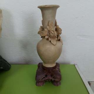 Flower Vase 石瓶