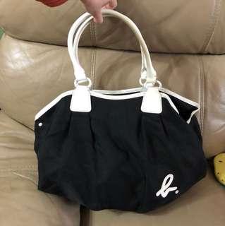 Agnes b 黑白袋