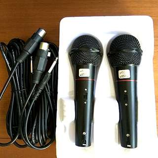 2pc wired microphone.