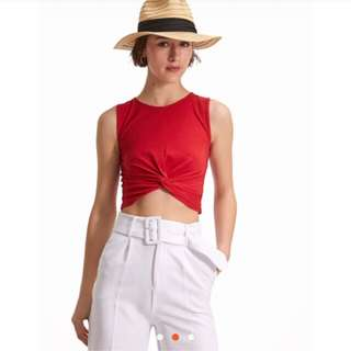 H&M crop top with mnos
