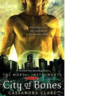 City of Bones (The Mortal Instruments, #1) by Cassandra Clare