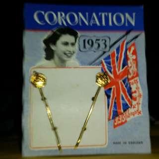 1953年 女皇登基 紀念髲夾 共2排。庫存老货。只限郵寄。包郵