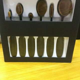 Oval Paddle Brush Set 6 pcs.