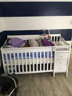 Dwelling Baby to Toddler Crib / Day Bed With Mattres