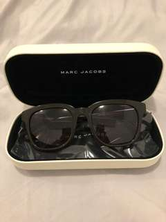 NEW Marc Jacobs sunglasses with case