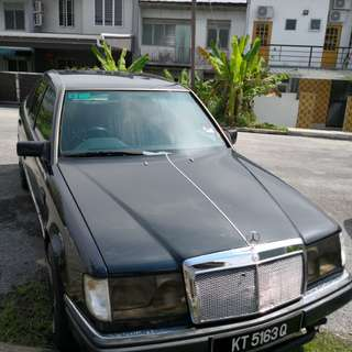 MERCEDES BENZ 200E For Sale