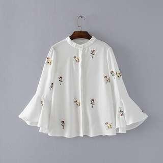 Minimei追加款✪韓系韓版百搭休閒秋新款韓國刺繡小花朵喇叭袖襯衫女甜美雪紡衫上衣