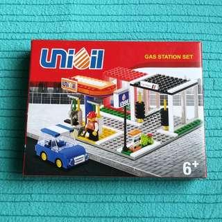 Oxford (LEGO Type) Unioil Gas Station Set Blocks Bricks