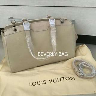 jual tas LV Brea Epi LEATHER MIRROR - cream