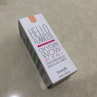 "Benefit Hello Flawless Oxygen Wow Foundation ""CHAMPAGNE"" - PRELOVED (with box)"