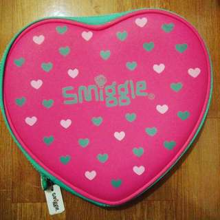 Smiggle heart top pencil case