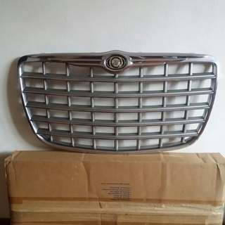 Chrysler 300C front grille