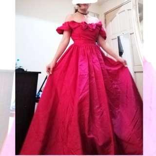Jessica McClintock / Gunne Sax Bridal Renaissance Collection magenta ball gown