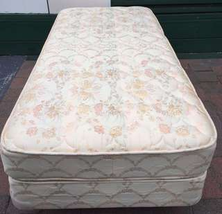 Almost new single bed set for sale. Pick up or Deliver available