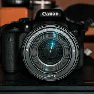 Canon Eos 750D with 18-135mm Kit Lens