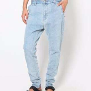 Maurie and Eve drop crotch jeans