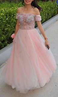 Wedding dress size S or M size ppl also can wear