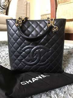 Authentic Chanel Caviar GHW