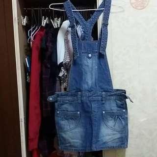 專櫃購入LEVIS真品 9成新 牛仔吊帶裙 刷白(S) 原價大約2000多元