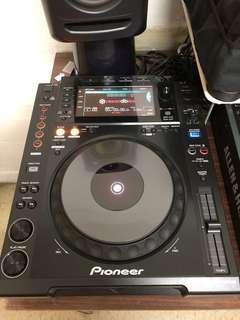 Pioneer CDJ- 900 Nexus