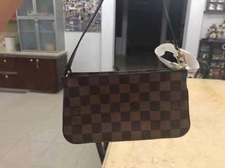 Price reduced ⬇️ Louis Vuitton Navona Pochette (installment accepted)