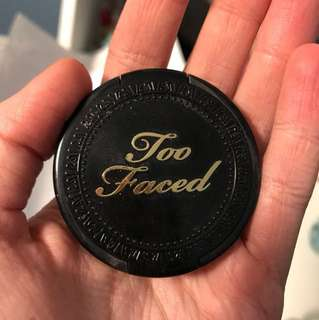 Too faced deluxe sample bronzer FREE WITH PURCHASE