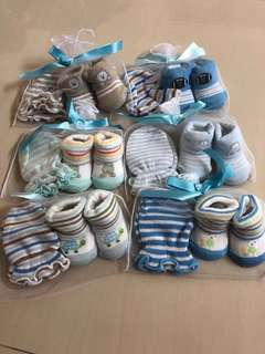 Baby mittens and socks 0-1 year old