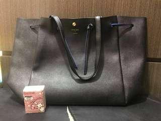 正貨colors by Jennifer sky 黑藍色上膊手袋(用左兩次)