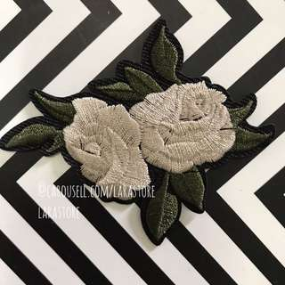 Bn iron/sew on patch rose/flower Embroidered