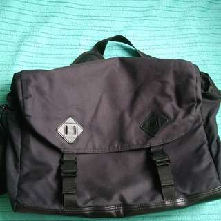 Men's Messenger Laptop Bag