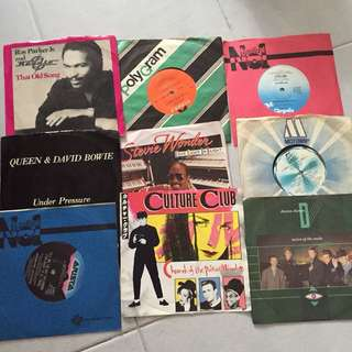 One Lot Of Vinyl Records (7inches)