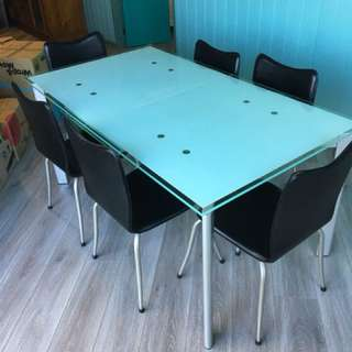 Freedom Extendable Dining Table and Chairs
