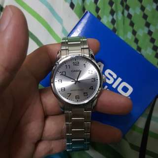 Casio silver watch very good condition