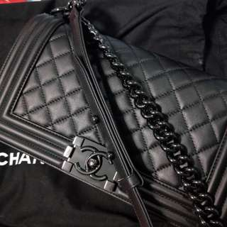 Chanel Boy SO BLACK OLD MEDIUM