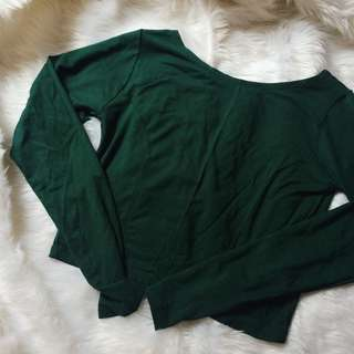 Green Cropped long sleeves top