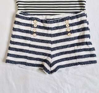 Stripes HW Shorts ❤️