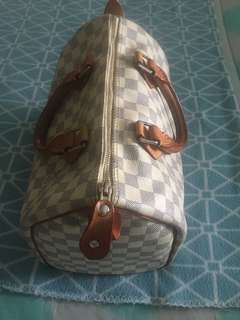2 Louis Vuitton bags