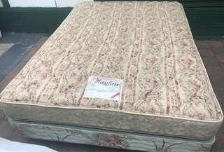 Excellent queen bed base and mattress for sale