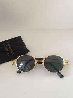 Vintage look sunglasses