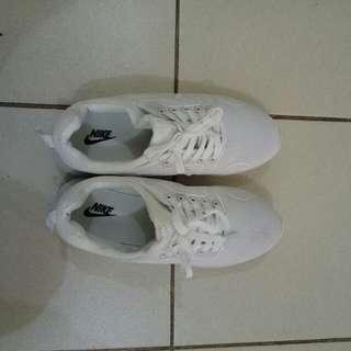 Imitation Nike shoes white