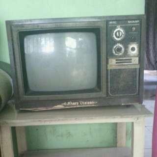 Tv Sharp-thn 90'n