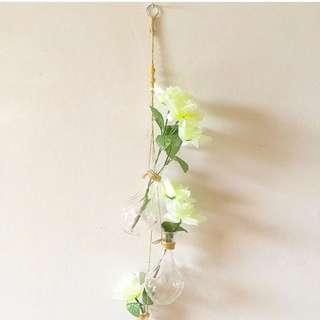Hanging Vase 💛