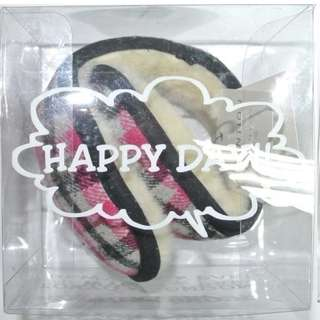 旅行/保溫用品 - 全新有盒 日本品牌 The Emporium 黑色粉紅格仔圖案耳罩 Earmuffs