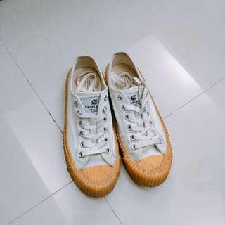 (二手)Excelsior 焦糖底餅乾鞋 25cm
