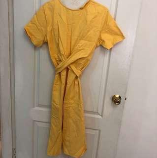 鵝黃色前交叉洋裝
