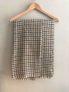 Clearance: Zara Unisex Checker Pattern Scarf Blanket