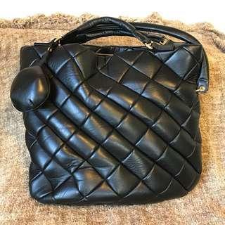 日本🇯🇵名牌Kenjiikeda 真皮袋,可手提,可以咩上肩,9成新,購於連卡佛,原價16800