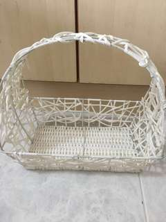 3 Assorted Baskets w Handle