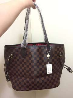 Louis Vuitton Neverfull Pm ebene