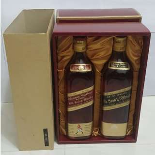 (869) 70年代 禮盒套裝 JOHNNIE WALKER BLACK LABEL + RED LABEL EXREA SPECIAL OLD SCOTCH WHISKY 750ML 43% (有盒)